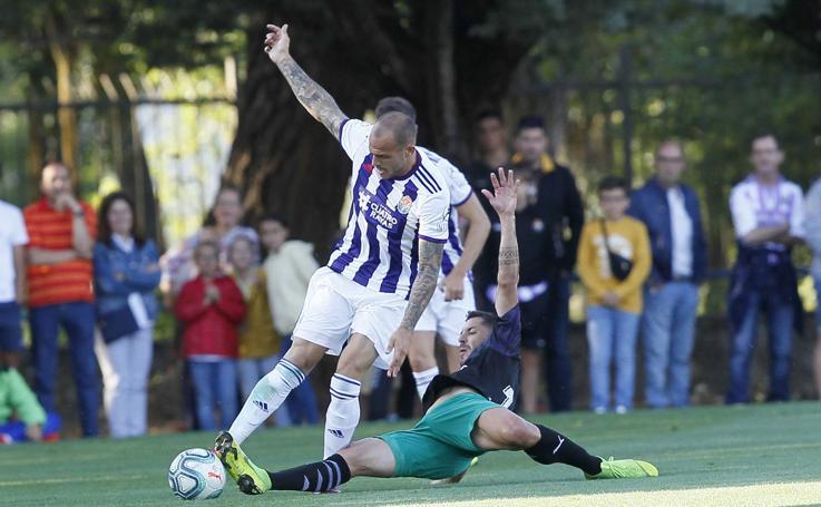 El Real Valladolid gana el primer partido de la pretemporada ante el Racing de Santander (1-0)