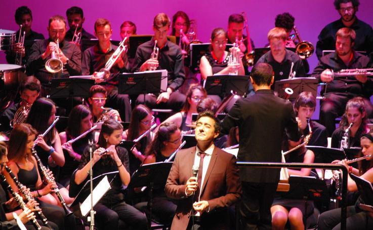 Concierto Banda Sinfónica Arroyo con Juan Valderrama en Teatro Zorrilla