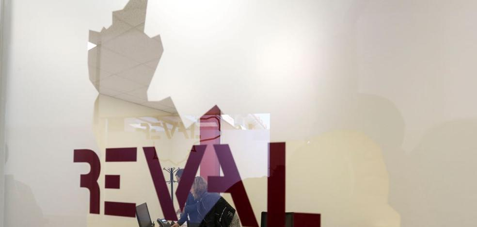 La Diputación de Valladolid inaugura una nueva oficina de REVAL en Arroyo