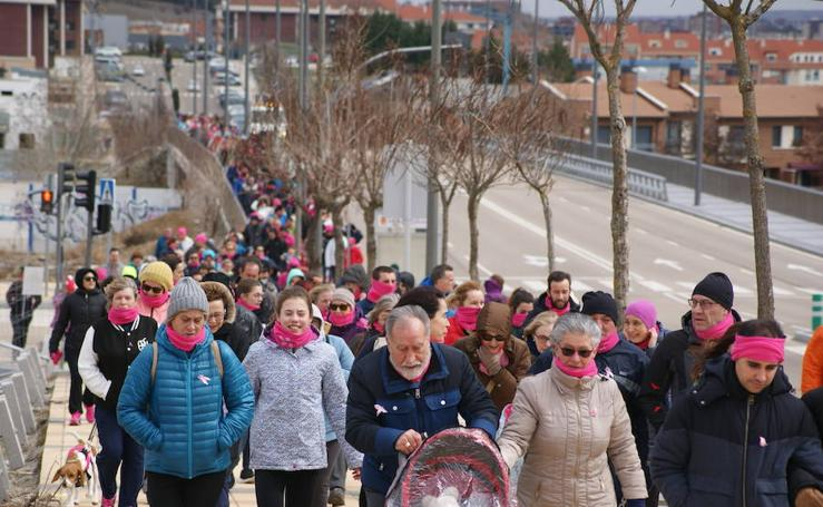 VII Marcha de la Mujer en Arroyo a beneficio AAEE (1/2)