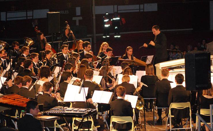 Concierto Serafín Zubiri con la Sinfónica de Arroyo. Homenaje a Nino Bravo