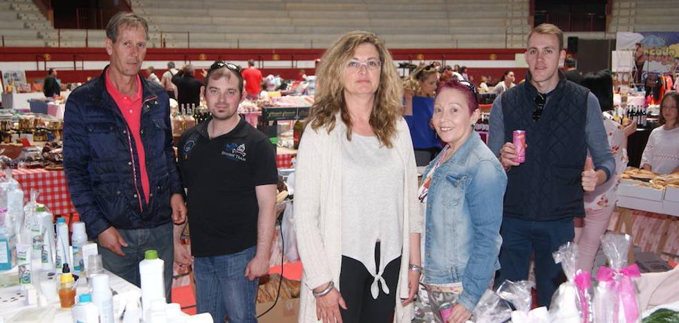 Moda, alimentación y Alfonso Pahino redondean un buen domingo en El Mercado de Arroyo