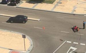 Herido un motorista tras ser atropellado por un coche en Arroyo de la Encomienda