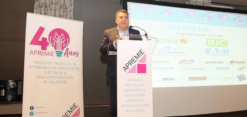 Arroyo acogió la celebración del 40 aniversario de la asociación de instaladores eléctricos y de telecomunicaciones de Valladolid APREMIE