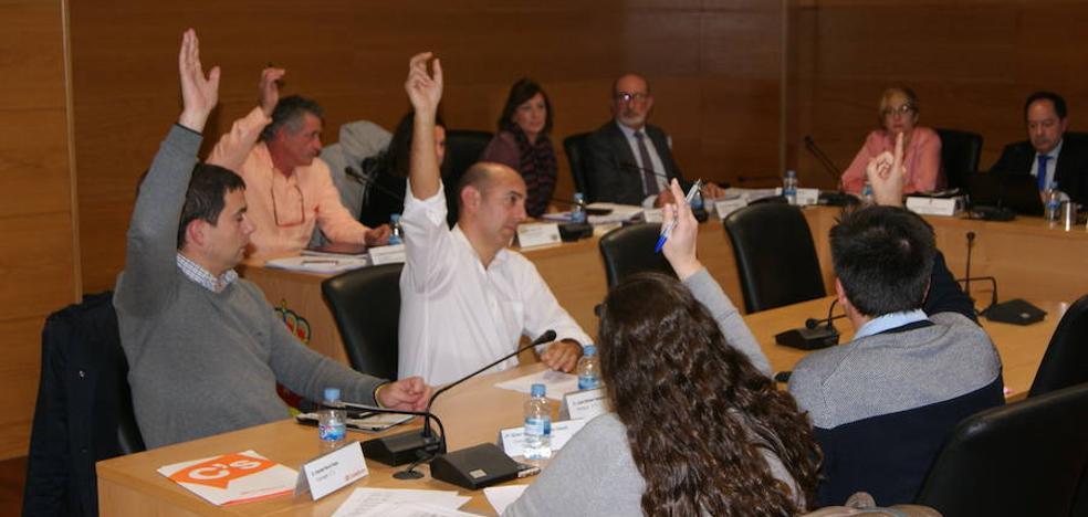 El pleno de Arroyo aprueba los presupuestos de 2019 gracias al voto de calidad del alcalde