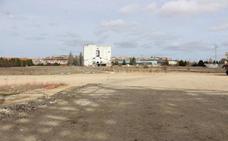 Retraso en las obras de urbanización, acceso y aparcamiento de la Casa de la Música y el Teatro