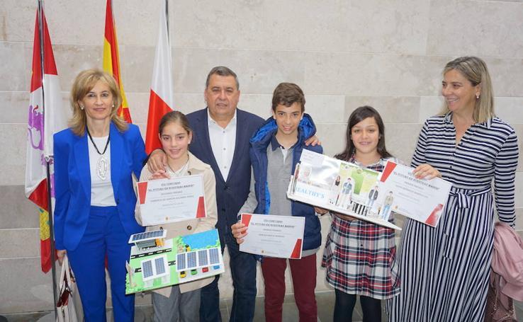 Entrega de premios del VII concurso 'El Futuro en Nuestras Manos'