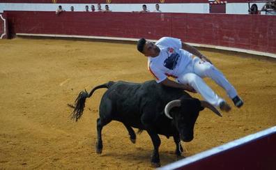 Cristian Peñas se impone a Eusebio Sacristán en el Concurso de Cortes de La Flecha