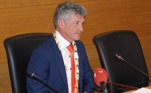 Sarbelio Fernández coge el bastón de mando de Arroyo