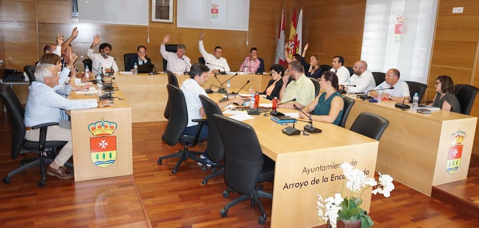 El Ayuntamiento de Arroyo aprueba una subida de retribuciones del 81%
