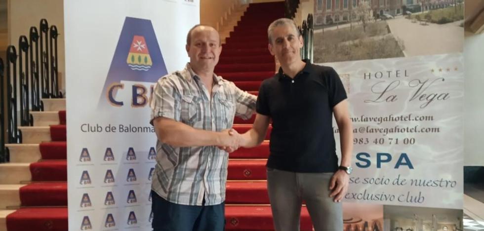 El Balonmano Arroyo presenta a Jordi Escudero como nuevo técnico