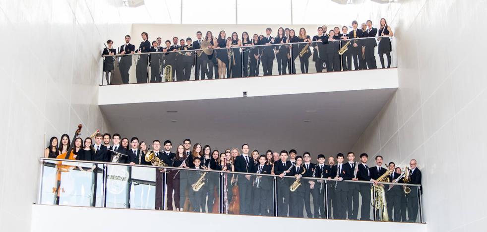Serafín Zubiri y la Banda Sinfónica de Arroyo se unen para recordar a Nino Bravo