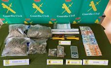 La Guardia Civil desmantela un punto de venta de drogas enfrente de un colegio de Arroyo de la Encomienda