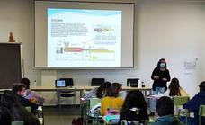 El Arroyobus al IESO Arroyo y CEO Atenea inicia su servicio para los alumnos