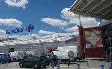 La gasolinera del híper de Carrefour abre este jueves e implanta el pago a través del móvil