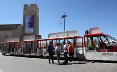 El tren turístico de Las Edades recorre ya Cuéllar