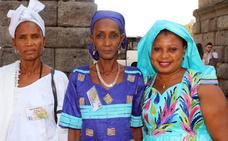 El primer viaje en avión de Mariama Kande y Djienabu Seidi