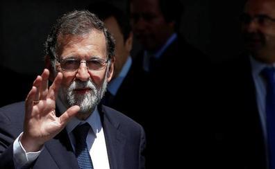 Rajoy, en París: «La extrema izquierda y la extrema derecha quieren romperlo todo»