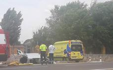 Dos heridos en un accidente en la carretera de acceso a Traspinedo