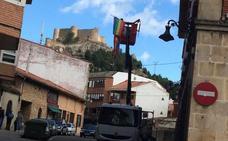 IU acusa a la alcaldesa del PP de Aguilar de retirar una bandera del Orgullo Gay