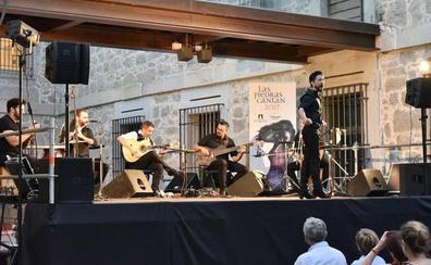 450 personas disfrutan del flamenco de Raúl Olivar con 'Las Piedras Cantan'