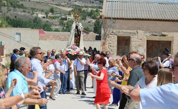 Cevico Navero se viste de gala para honrar a la Virgen del Carmen