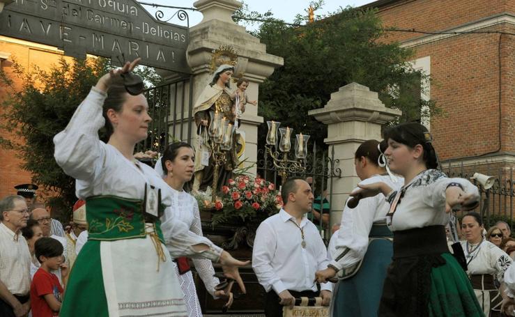 Procesión de la Virgen del Carmen en el barrio de Delicias