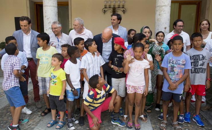 Valladolid recibe a los niños saharauis del programa 'Vacaciones en Paz'