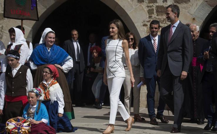 Los Reyes visitan Santo Toribio de Libiéna
