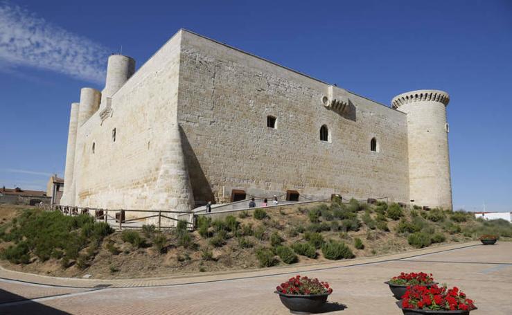 Jornada de puertas abiertas en el castillo de Fuentes de Valdepero