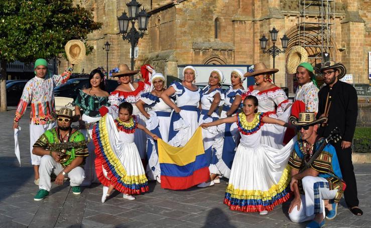 Danzas y gastronomía protagonizan la fiesta intercultural en Aguilar de Campoo