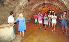 Beber agua de la cripta de San Antolín, una tradición pendiente de análisis