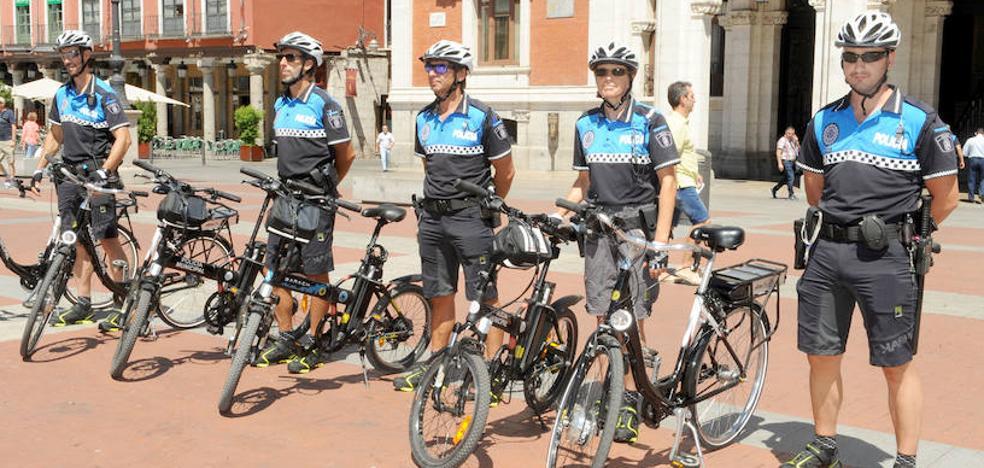 La Policía estrena este verano su unidad de siete agentes en bicicleta
