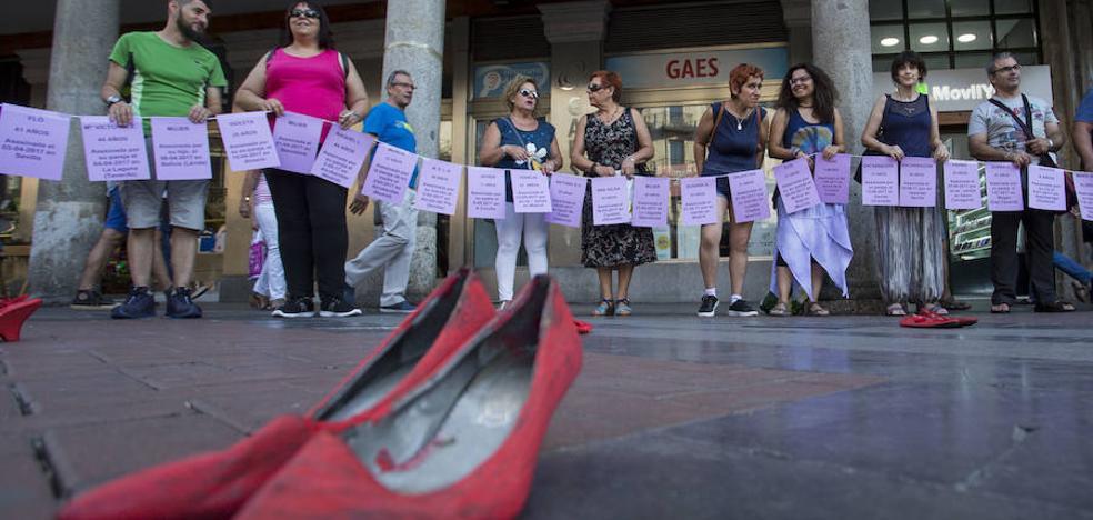 La lucha contra la violencia de género se cita cada mes en Fuente Dorada
