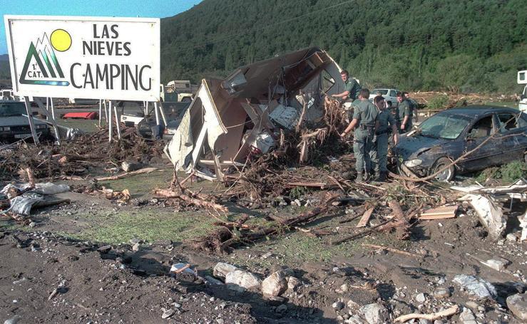 21 años de la riada que destruyó el camping de Biescas: las fotos de la tragedia