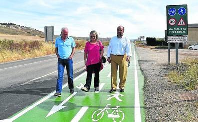 La Junta remodela el carril bici paralelo a la carretera de Aguilar a Brañosera