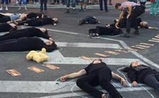 Doscientas personas claman contra el crimen de Sara en La Rondilla