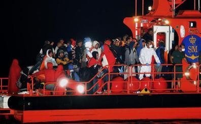 Cuatro nuevas pateras elevan a 339 los inmigrantes rescatados en el Estrecho