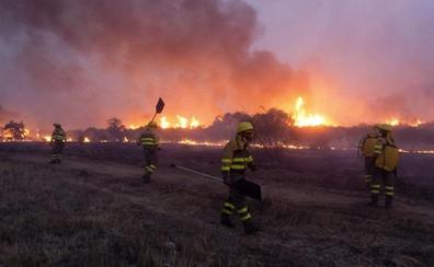 Baja a nivel 1 el incendio forestal de Medinilla, en Ávila