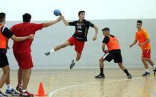 El futuro del balonmano nacional se fragua en las canchas palentinas