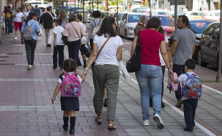 Primer día de clase para los alumnos de primaria de Valladolid