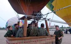 La Academia de Artillería celebra el 225 aniversario del primer vuelo militar