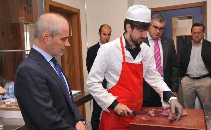 La Escuela Internacional de Cocina forma a pescaderos y carniceros