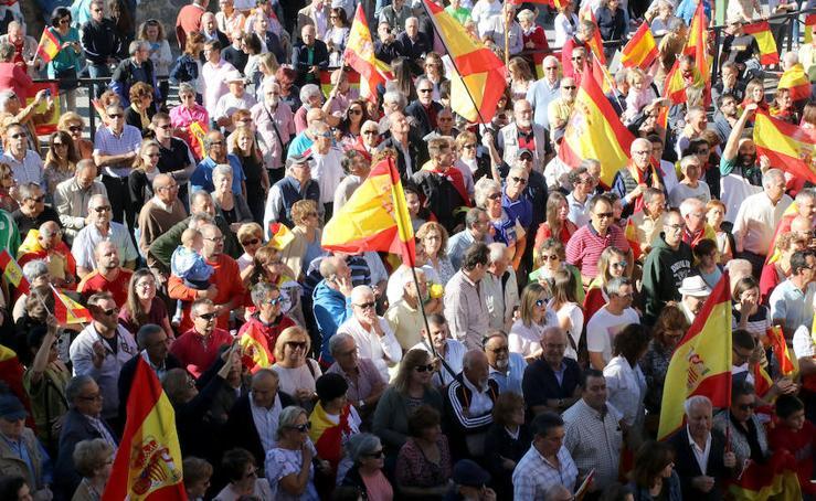 Concentración en apoyo a la Guardia Civil en Segovia