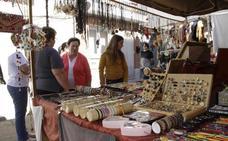 El buen tiempo llena el Mercado Medieval de Quintanilla