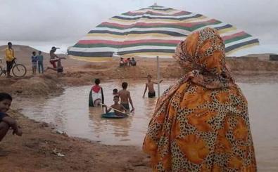 La familia de Laguna de una joven saharaui denuncia su retención en Tinduf