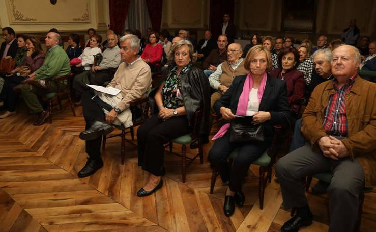 Carmen Casado presenta su libro 'Marca Palencia' en el Casino