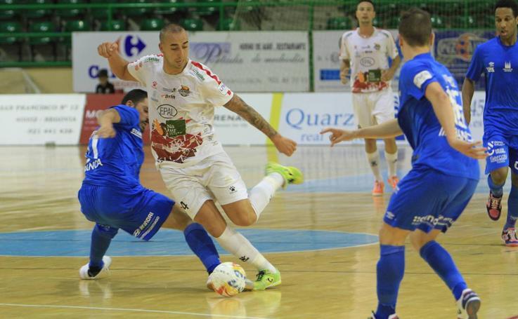 El Naturpellet Segovia se impone de nuevo al Santiago Futsal (4-2)