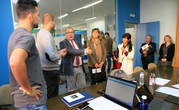 Javier López Escobar visita el Centro de Formación del Profesorado e Innovación Educativa de Segovia