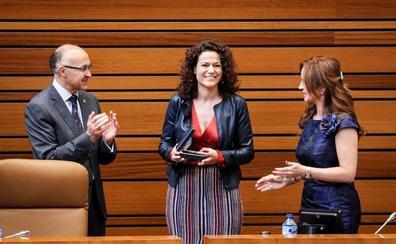 La zamorana Manuela Crespo jura su cargo en sustitución de Rosa Valdeón